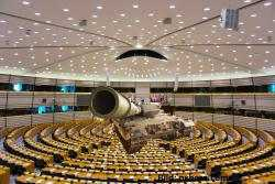 Das fehlende Weltparlament und eine Menschheit, die es hinnimmt